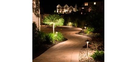 Как сами да инсталирате нисковолтово осветление в градината?
